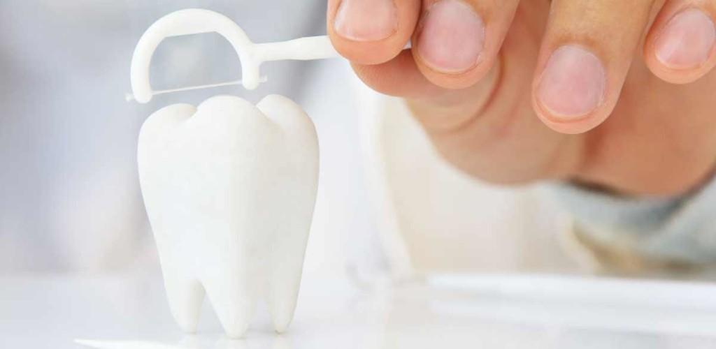 Dental-Floss-Alternatives-1